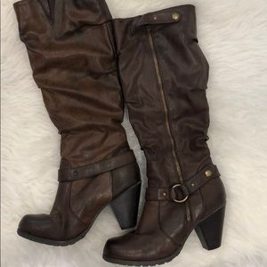 Women's Size 8 Kelly and Katie Heeled Boots